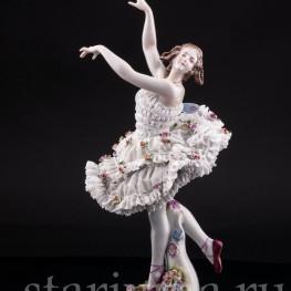 Анна Павлова в балете Бабочка, кружевная, Volkstedt, Германия, нач. 20 в